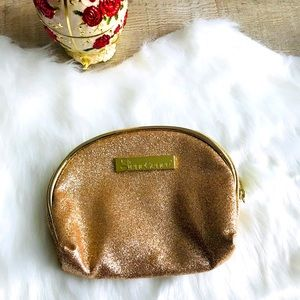 🎀 SeneGence Golden Logo Beauty Bag